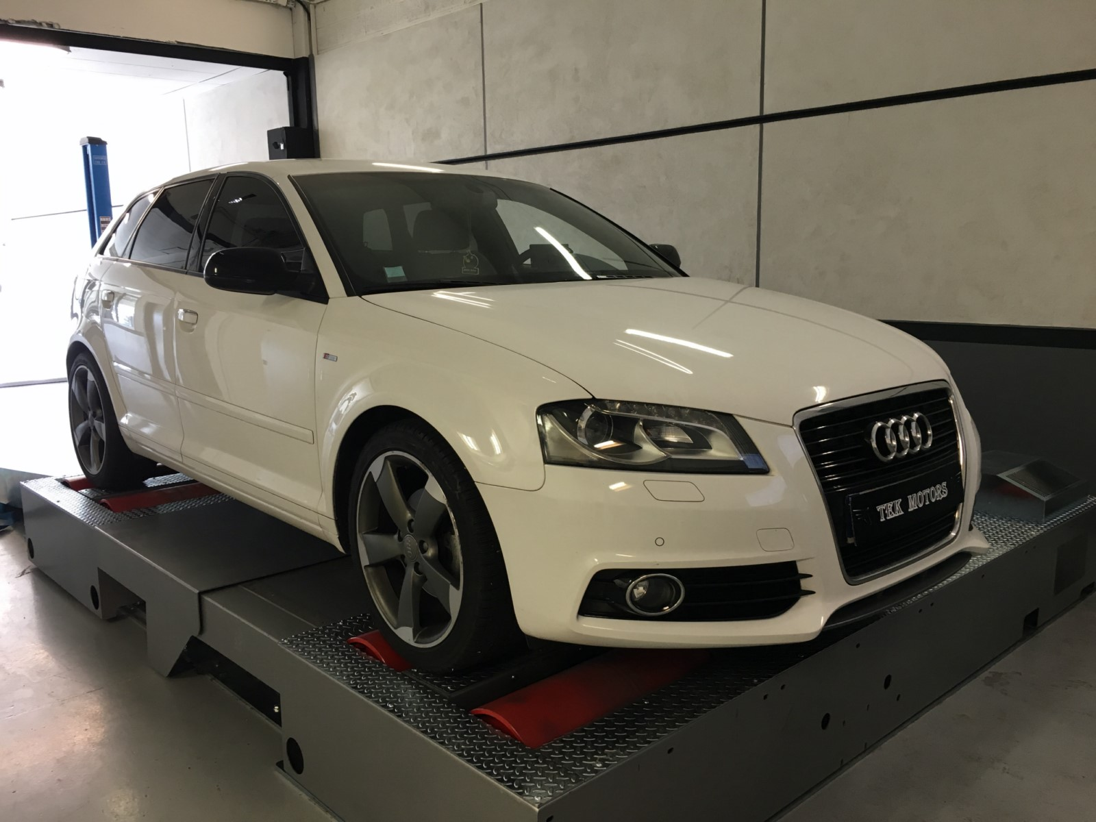 reprogrammation moteur audi a3 2 0 tdi 140 cv by tek motors i draveil tek motors. Black Bedroom Furniture Sets. Home Design Ideas